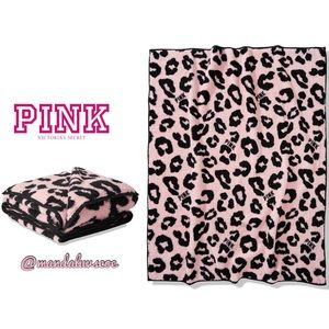 NEW💕VS PINK LEOPARD DOUBLE SHERPA THROW BLANKET